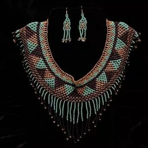 Turqueza morada beaded necklace earrings